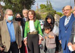 Καρέ – καρέ η επίσκεψη της Γιάννας Αγγελοπούλου στη Λέσβο… Συνεχής ροή ΒΙΝΤΕΟ